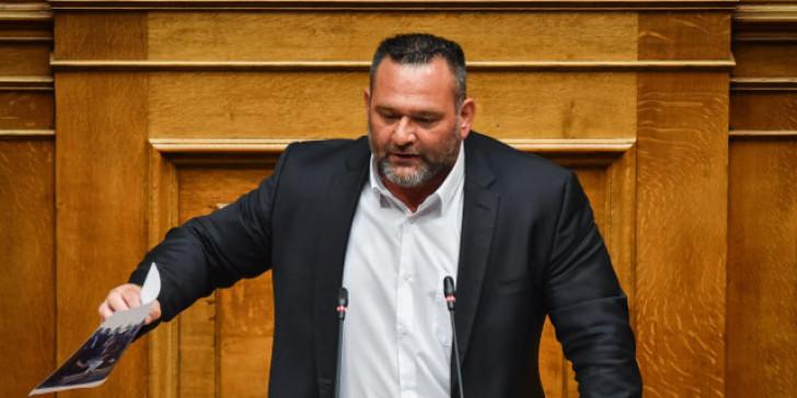 Αυτά γίνονται μόνο στην Ελλάδα: Εξελέγη Ευρωβουλευτής ενώ έχει απαγόρευση εξόδου από τη χώρα!