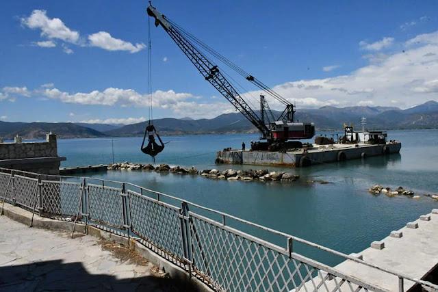 Εργασίες εκβάθυνσης των θαλάσσιων εγκαταστάσεων του Ναυτικού Ομίλου Ναυπλίου