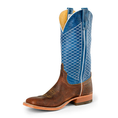 Rodeo Mart: Tradtional Cowboy Boots Continues to Be in Vogue