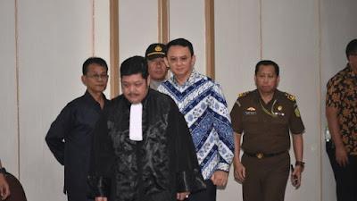 Hakim Putuskan Ahok Bersalah dan Hukuman Penjara 2 Tahun