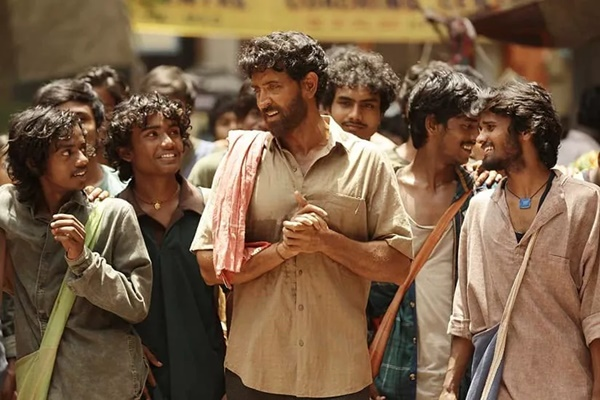 Review Film Super 30 bahasa indonesia