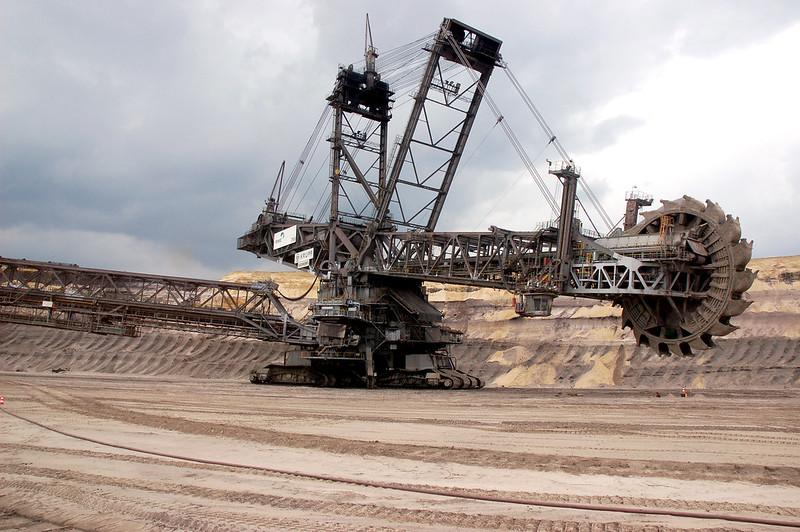 giant mining machine