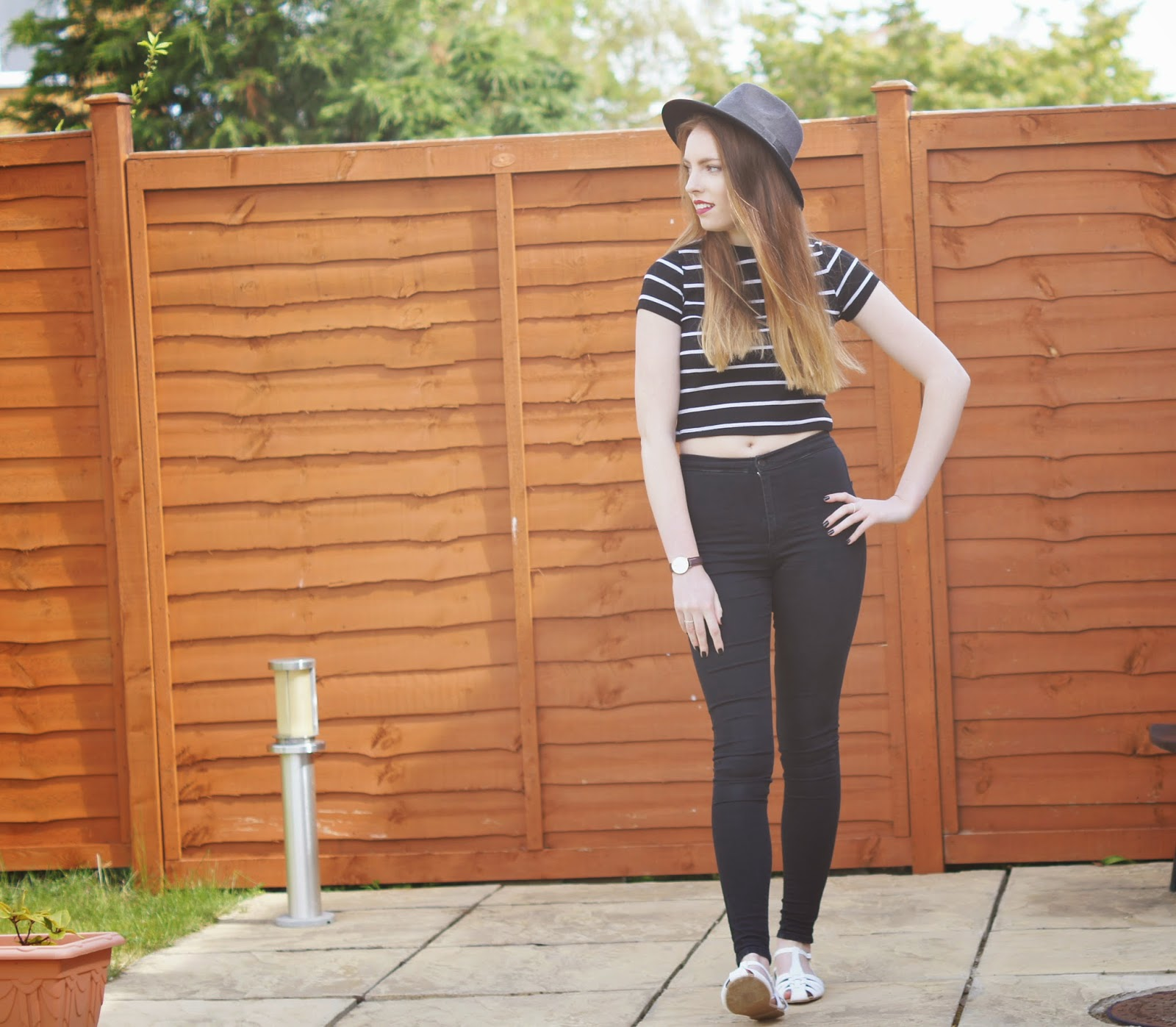 topshop black joni jeans and crop top