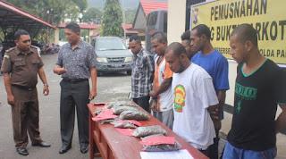Ganja-ganja Papua Nugini Dibarter Motor Curian