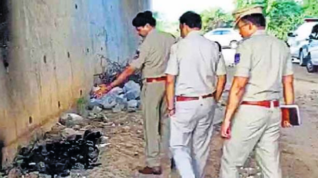 Hyderabad: burnt dead body of another woman, where vet burnt alive after gang rape