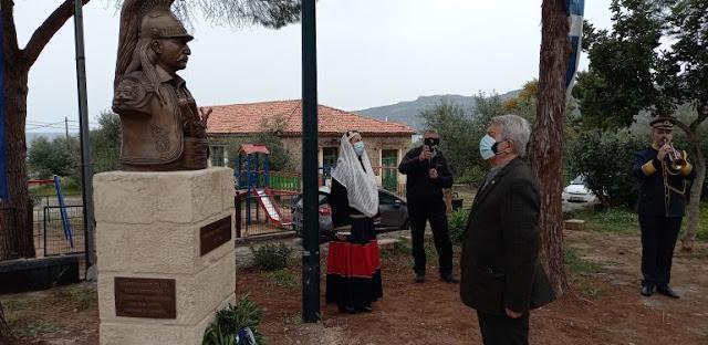Η προτομή του Θεοδώρου Κολοκοτρώνη στην πλατεία της Καρδαμύλης