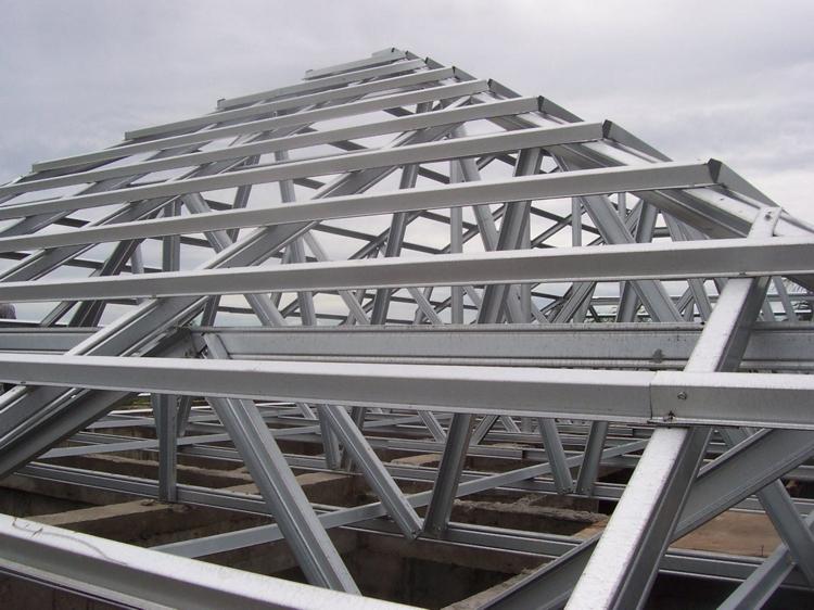 contoh rangka atap baja ringan minimalis kuda desain rumah
