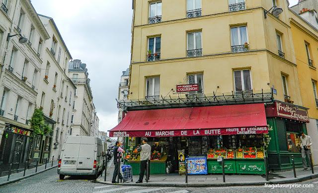 Au Marché de la Butte, em Montmartre, mercearia de Amélie Poulin