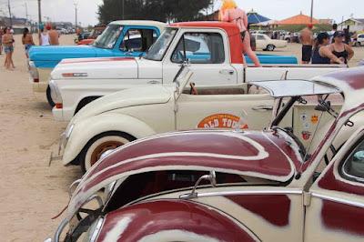 Ilha sediou  no final de semana o III Old Tour on the Beach, com desfile e exposição de carros antigos