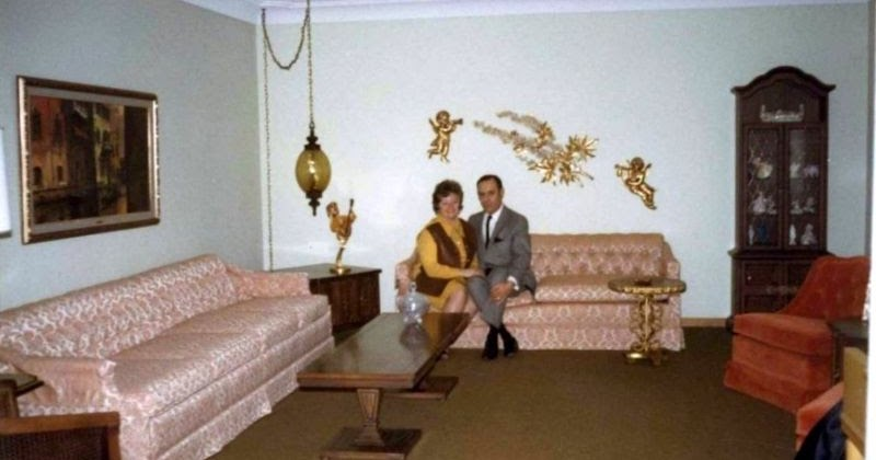 45 Interesting Snapshots That Show Wall Decors in the 1960s