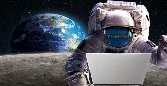 चंद्रावरही मिळणार नेटवर्क