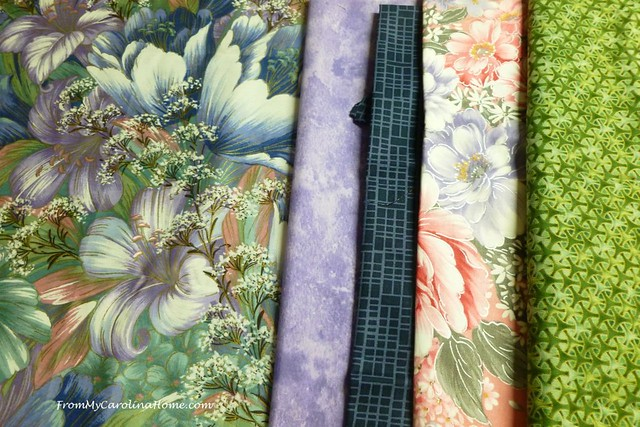 Learn how to choose colours & fabrics for quilts - focus print, hue, tone, contrast - From My Carolina Home