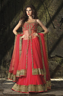 Indian-bridal-designers-lehenga-designs-2017-collection-13
