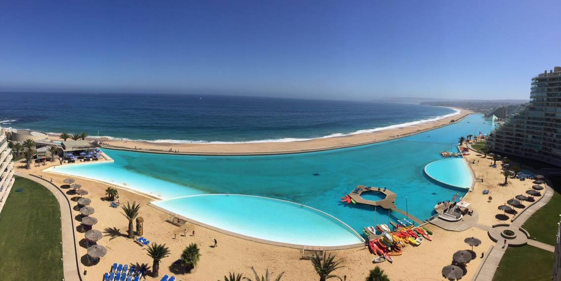 hell 39 s chile la plus grande piscine du monde. Black Bedroom Furniture Sets. Home Design Ideas