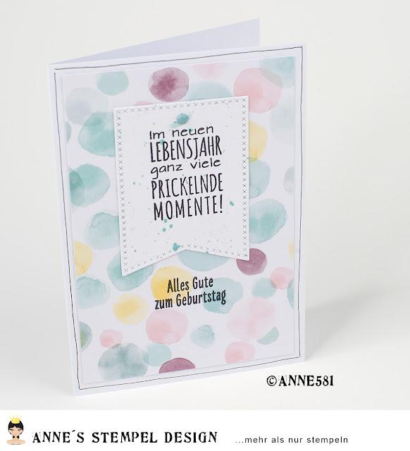"""Eine selbst gebastelte Geburtstagskarte mit dem Stempel: """"Im neuen Lebensjahr ganz viele prickelnde Momente"""""""