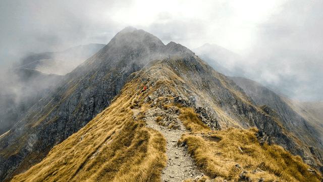 Cele mai înalte13 vârfuri din România