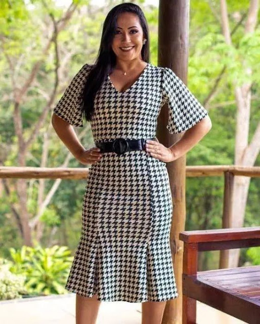 https://www.lojaflordeamendoa.com.br/produto/vestido-peplum-xadrez-gola-v-moda-evangelica