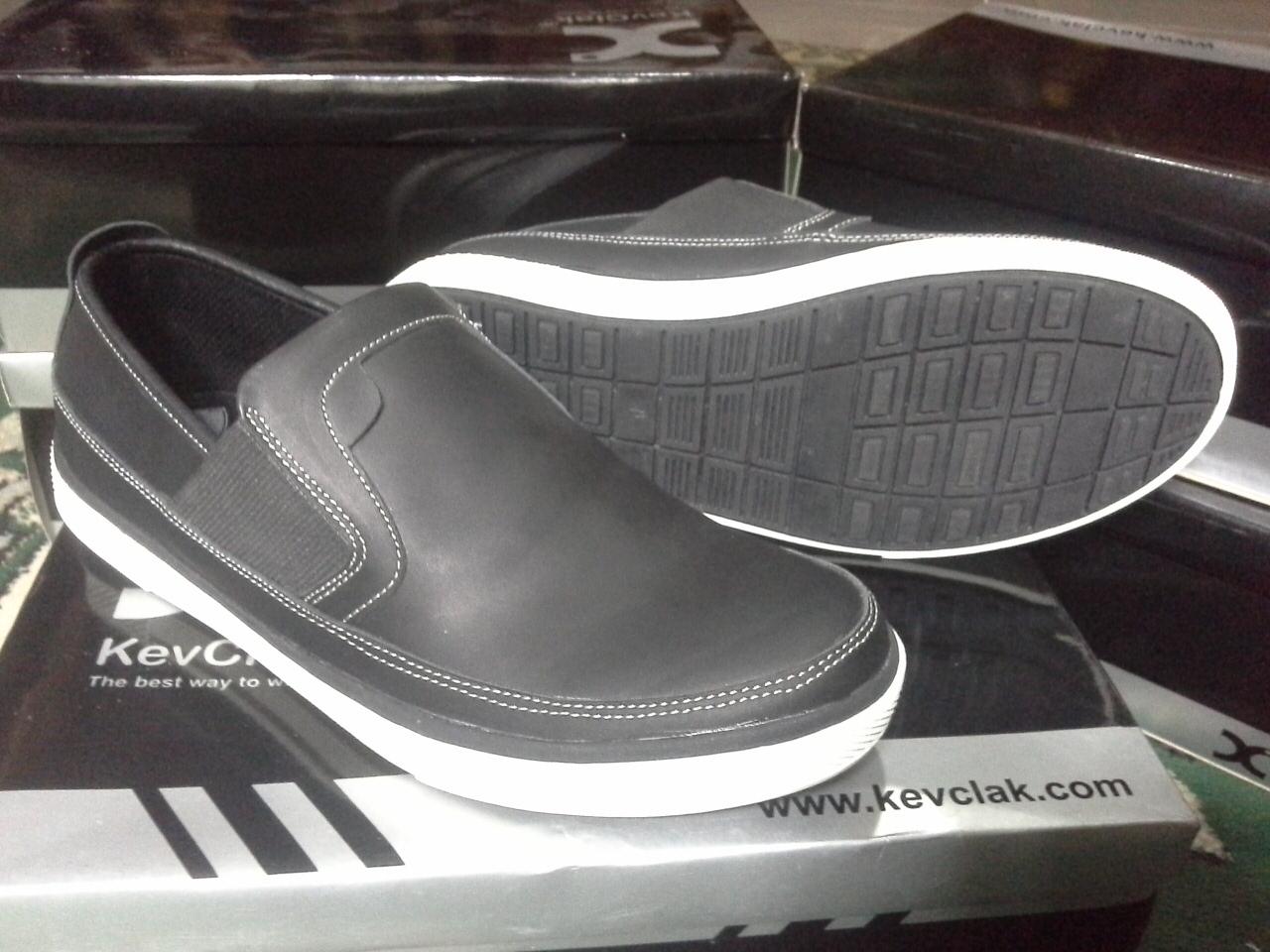 Sepatu pria casual murah branded terkenal