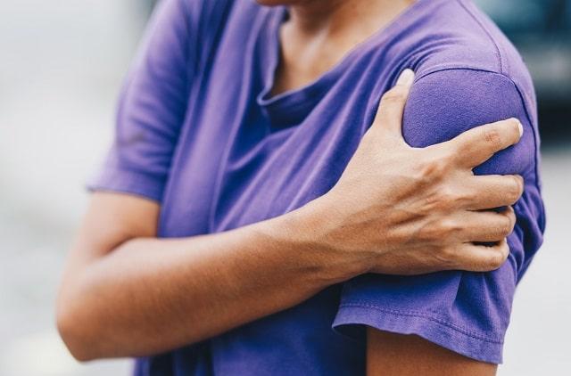 shoulder pain signs