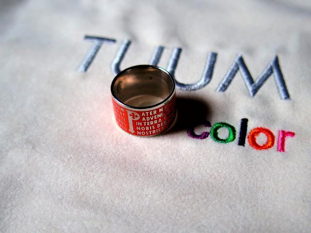 TUUMのオレンジ色幅広指輪