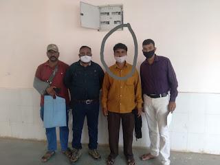 13 वर्ष से फरार वारंटी को पकडने में नेपानगर पुलिस को मिली सफलता एक अन्य स्थाई वारंटी भी पकडाया