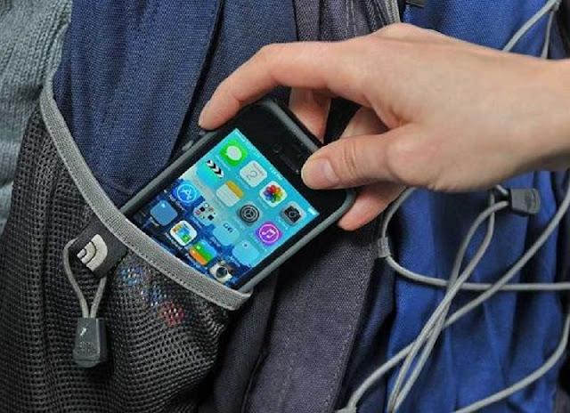 Apakah Kamu Sering Merasa Ponsel Bergetar Padahal Tidak Ada Apa-Apa??  Berarti Kamu Telah Menderita Ini !!