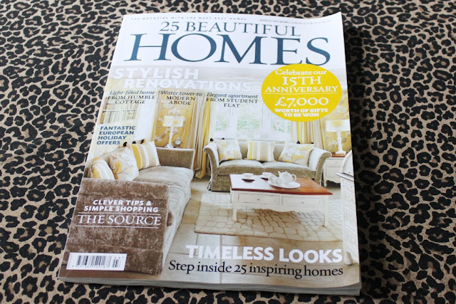 One of the biggest honours as an interior blogger is to have you home featured within a magazine. Take a sneaky peak behind the scenes of the 25 Beautiful Homes photo shoot.