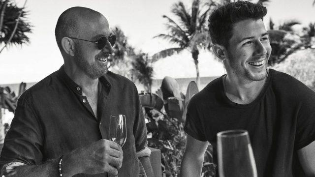 Villa One el tequila de marca de John Varvatos y Nick Jonas