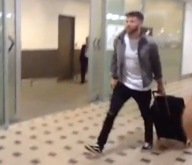 Joel-Dommett-arrives-at-Brisbane-Airport