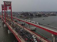 Malam Tahun Baru, Jembatan Ampera Ditutup