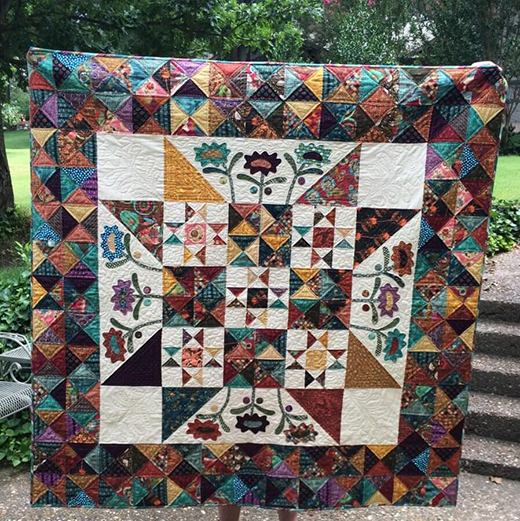 Midnight Blooms Quilt made by Maria Gee of Scissortail Quilting, Inspired by Late Bloomers from designer Kim Diehl