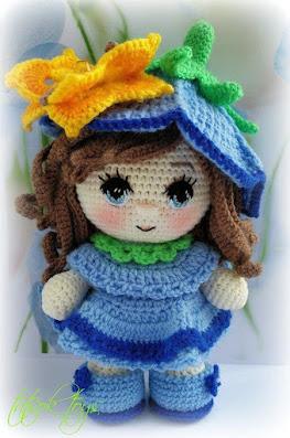 Вязаная кукла Колокольчик