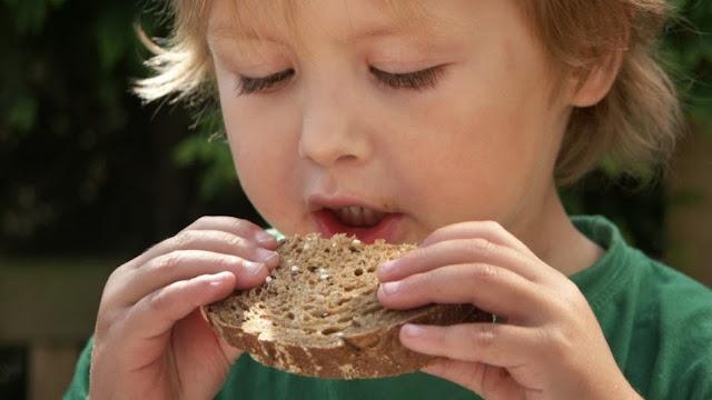 8 Signos de que tu hijo necesita una dieta sin gluten