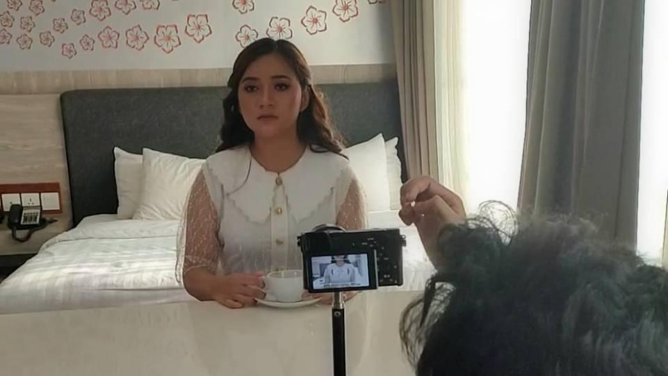 Adiba Cahya saat syuting videoklip lagu Kesan di Matamu. (Dok. Istimewa)