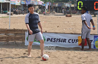 Wabup Arifin Ikut Meriahkan Turnamen Sepak Bola Pantai