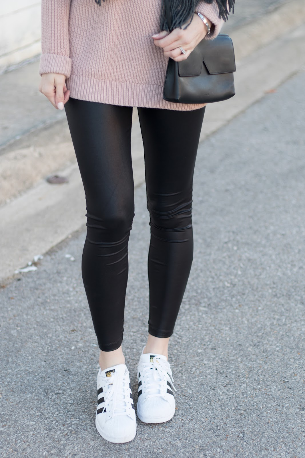 Adidas Tennis Shoes Outfit Ideas