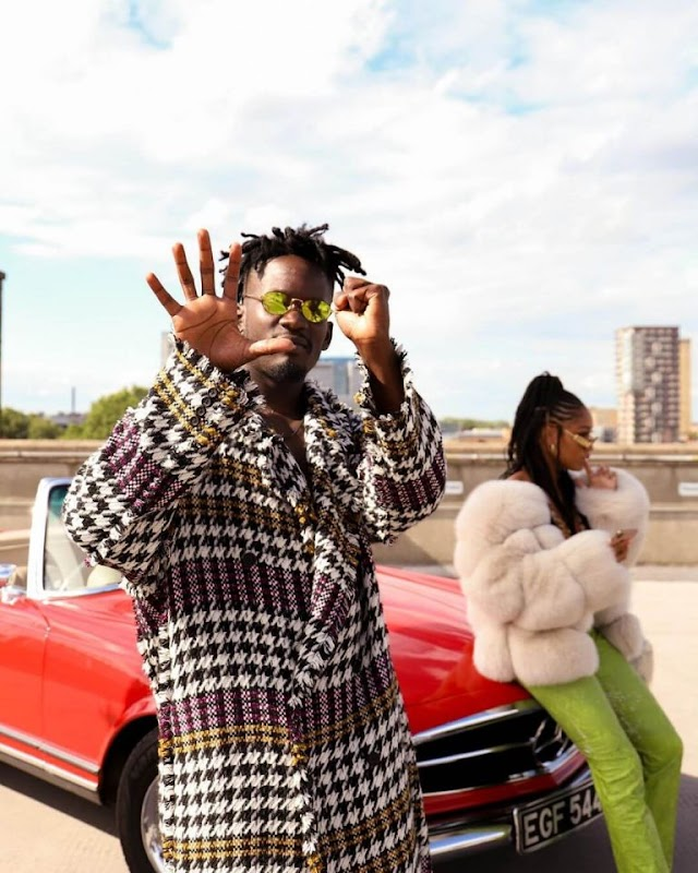 Lyrics: Mr Eazi – Doyin ft. Simi (Lyrics)