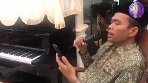 Musik yang Boleh Hanya Shalawat, Kok UAS Nyanyi Lagu Nicky Astria dan Afgan?