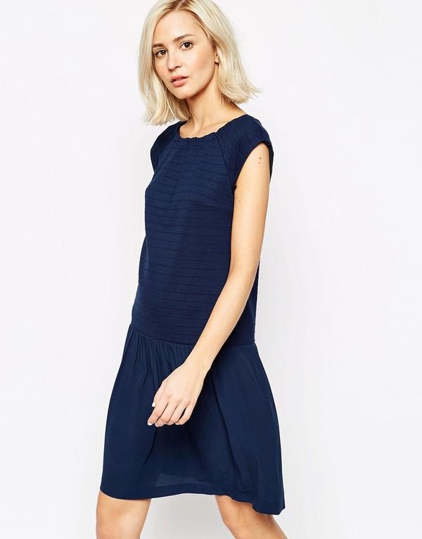 Hoàn hảo là thế nhưng mẫu váy này lại có mức giá rất phải chăng 22$ (khoảng  gần 500 nghìn VNĐ).