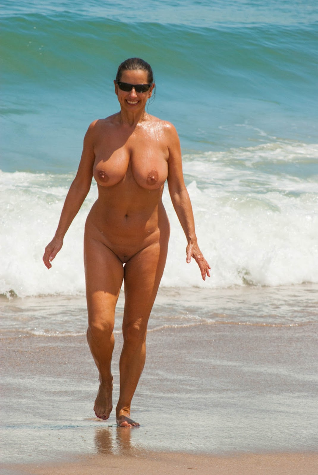 Busty moms on the beach, desi babes booty nude
