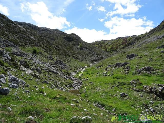 Ruta al Cantu Ceñal: Río Resecu