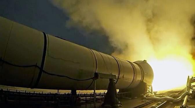 Uji Pendorong Roket Qualification Motor 1 (QM-1) (NASA)
