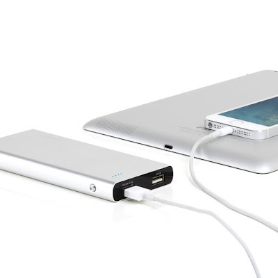 Satechi 10000 mAh Aluminum Energy Station