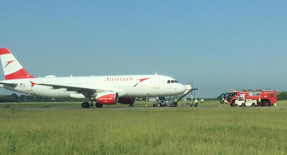 Volo Aereo Larnaca-Vienna da paura: fumo in cabina e atterraggio d'emergenza a Bucarest