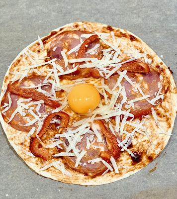 pizza, tortilla, sniadanie, jajko, awokado, chorizo, zapiekanka, bernika, kulinarny pamietnik