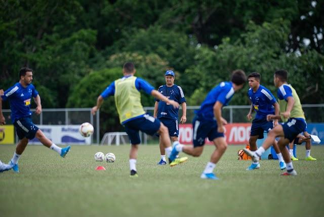 Cruzeiro enfrenta o Villa com alguns retornos