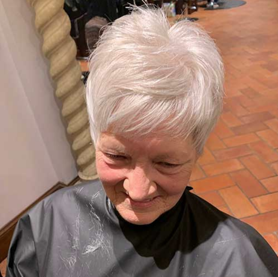 What is the Best Hairstyle for a 60 Year Old Woman? -  LatestHairstylePedia.com