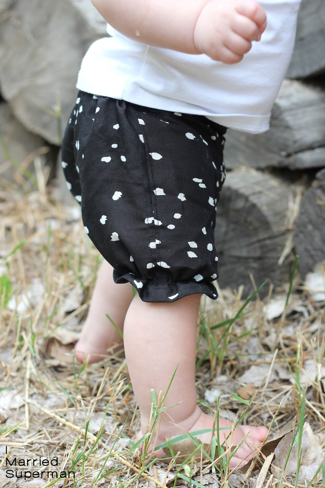 15f2b4d9122f I Married Superman  Baby Bubble Shorts  Tutorial