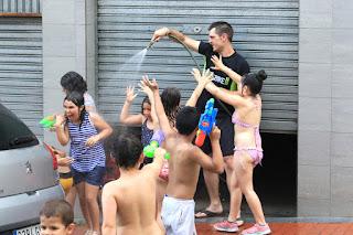 Fiesta de agua en Llano
