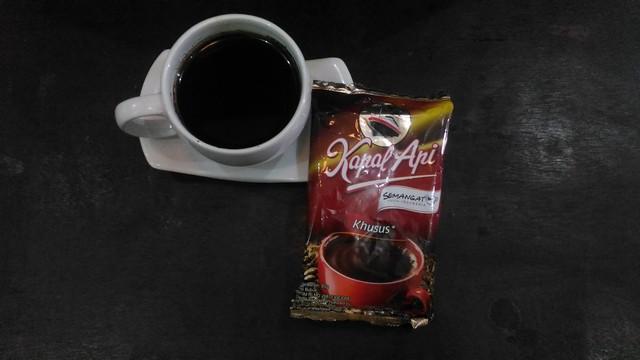 "Robusta Coffee Brands ""Kapal Api"""